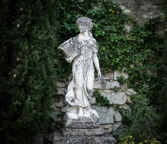 Statue in Avignon