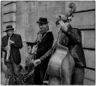I love street musicians
